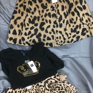 NWT, baby gap outfit . 3 pieces .